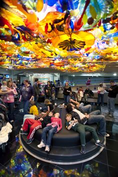 Dale Chihuly's Fireworks of Glass at The Children's Museum of Indianapolis - this is TOTALLY awesome!