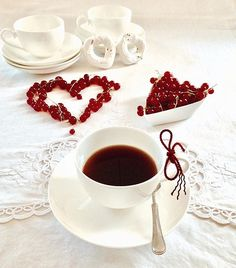 ❤️🌹..Good morning and happy week-end dear..FOLLOW:@dubairosefood #dubairosefood #goodmorning #coffeetime #coffeelover #coffeebreak #lovecoffee #coffeeaddict #tealover #breakfasttime #cups_are_love #flowers #minimalha #igcoffee #foodphotographer #foodphotoshoot #tv_fadingbeauty #still_life_gallery_ #tv_stilllife #tv_living #tv_lifestyle #tv_colors #jj_still_life #morningslikethese #morningcoffee #turkobjektif_perfect #coffeeandseasons #colazioneitaliana #teaandseasons #cupsinframe