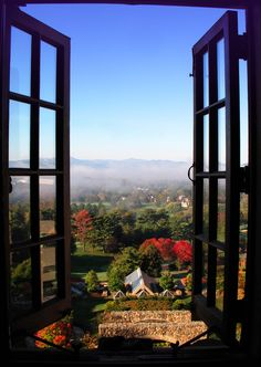 4-day mountain vacation at Lake Lure, Asheville and Cherokee #visitnc