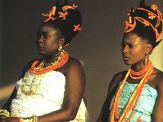 Benin Queen Mother wearing coral, as symbols of power wealth and royalty. African Beauty, African Fashion, African Style, Black Royalty, African Royalty, Natural Hair Styles, Long Hair Styles, Natural Beauty, African History