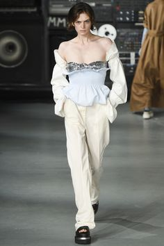 Of course, I pick the softest look of the collection MM6 Maison Margiela Spring 2016 Ready-to-Wear Fashion Show
