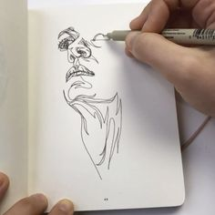 Artist Draws Human Faces and Necks in One Continuous Line Without Lifting Her Pen