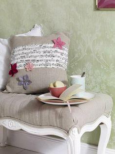poduszka z nutami