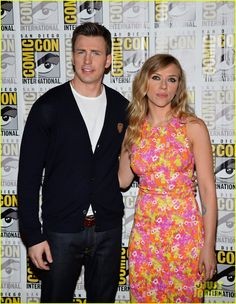 Chris Evans & Scarlett Johansson: 'Captain America' at Comic-Con!: Photo Chris Evans and Scarlett Johansson walk the press line at Marvel Studios panel held during 2013 Comic-Con on Saturday evening (July in San Diego, Calif. Avengers Actors, Avengers Cast, Marvel Avengers, Marvel Comics, Chris Evans Scarlett Johansson, Romanogers, Chris Evans Captain America, Winter Soldier, Cute Couples