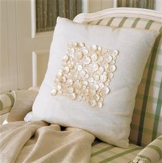 Mother of Pearl button pillow Diy Pillows, How To Make Pillows, Custom Pillows, Decorative Pillows, Throw Pillows, Diy Buttons, Vintage Buttons, Button Art, Button Crafts