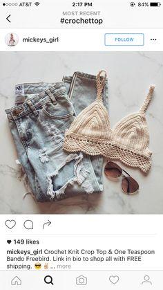 - Bra and Bikini Fashion Crochet Bra, Crochet Crop Top, Crochet Woman, Crochet Blouse, Easy Crochet, Sewing Clothes, Crochet Clothes, Diy Clothes, Crochet Designs