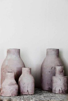 #ceramic vessels ~ETS Luxury Furniture, Home Furniture, Contemporary Style, Living Room Decor, Home Accessories, Ton, Diy Jewelry, Home Goods, Natural Materials