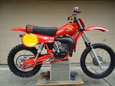 1980- Honda CR125R, modified racer