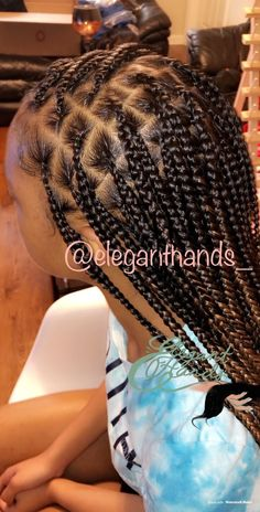 Knotless braids braids summer braids add on IG:eleganthands_Knotlessbraids by eleganthandsKnotless braids braids summer braids add on IG:eleganthands_In box braids were everywhere. They certainly were the coolest hairstyle, and our favorite Braided Hairstyles For Black Women, African Braids Hairstyles, Braids For Black Hair, Weave Hairstyles, Hairstyles Videos, Fringe Hairstyle, Teenage Hairstyles, Hairstyles 2018, Short Hairstyle