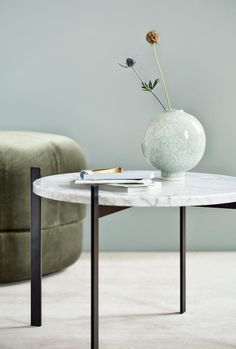 Spring pastels! A beautiful silhouette and a delicate, appealing green colour is the perfect combination for this vase.