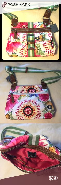 """Tyler Rodan - Floral Crossbody Bag NWOT - Pretty floral bag perfect for Spring/Summer, pockets and compartments galore for those who love organization, removable key fob, silver hardware, 11""""x9""""x2"""", 14"""" drop, adjustable strap. Tyler Rodan Bags Crossbody Bags"""
