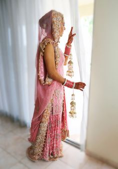 Everything related to indian fashion; whether it be bridal or casual. (I do not own anything I post; unless stated. Indian Dresses, Indian Outfits, Indian Clothes, Sikh Wedding, Wedding Attire, Beautiful Bride, Beautiful Outfits, Indian Marriage, Asian Bride