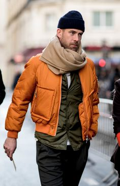 Paris Fashion Week Men's Street Style Fall 2018 Day 3 - The Impression - Men's style, accessories, mens fashion trends 2020 Fashion Week Paris, Fashion Week Hommes, Paris Street Fashion, Berlin Fashion, Street Style Trends, Autumn Street Style, Street Style Looks, Street Styles, Mens Street Style 2018