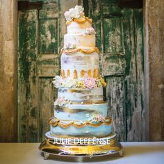 Luxury Wedding Cake by Julie Deffense   www.cake.pt   Cascais, Portugal + Boston, MA, USA
