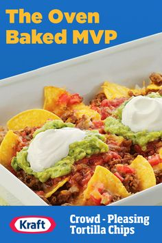 Sunday guests on their way? Throw together these quick and cheesy loaded nachos and win the side game at your next football get-together. Chilli Recipes, Enchilada Recipes, Pork Recipes, Cooking Recipes, Sausage Recipes, Easy Recipes, Diner Recipes, Mexican Food Recipes, Macaroni Cheese Recipes