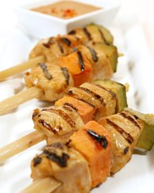 Tropical Chicken on Sugarcane Skewers with Peanut-Plantain Dipping Sauce - Martha Stewart Recipes Tropical Appetizers, Sauce Recipes, Chicken Recipes, A Food, Food And Drink, Freshly Squeezed Orange Juice, Chicken Skewers, Appetizer Recipes, Dinner Recipes