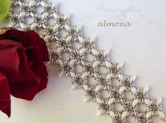 almona: Silver-White Set with O-beads