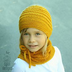 Feel free to join the Accessories KAL (with prizes) in my ravelry group and show us your finished Royal Jelly sets!