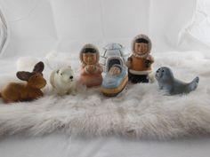 "Alaska Christmas Eskimo NATIVITY Set 7 Pieces 2"" -3.5"" plus rabbit fur display | eBay"