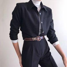 Creating the Men Minimalist Fashion Wardrobe Black Girl Fashion, Look Fashion, Korean Fashion, Fashion Design, Queer Fashion, Ulzzang Fashion, Fashion Fall, Fashion Men, Mode Outfits