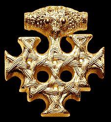 Hiddenseeschmuck: Wikinger-Schmuck aus Gold. Gefunden auf Hiddensee, aufbewahrt im Stralsunder Museum