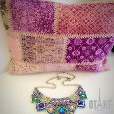 Sac pochette clutch bandoulière bohème, folk boho-chic rose violet romantique suédine beige