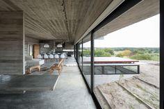 http://divisare.com/projects/308644-luciano-kruk-daniela-mac-adden-golf-house?utm_campaign=journal