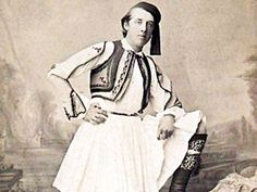 EVGENIA GL Oscar Wilde in Greece Wilde and his party arrived in Greece at the port of Katakolo, where the ancient athletes and embassies from all around the Greek world arrived and traveled up to Olympia. Oscar Wilde, Greek History, Writers And Poets, 20th Century Fashion, Dorian Gray, Folk Costume, Old Photos, Film, Famous People