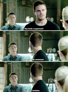 Arrow 3x17 - Oliver's reaction? priceless