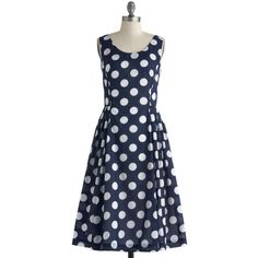 Classy Reunion Dress in Dots (1,290 MXN) ❤ liked on Polyvore featuring dresses, vestiti, 50s, sleeveless, polka dots, pockets, party, long, cotton and blue