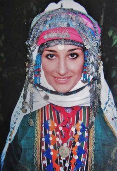A bridal headgear of the Alevi Türkmen from Kozak Yaylası, near Bergama. Rural style, 1950-1975.