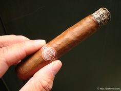 There are so many cigars out there. Here's how Francis S. Hallinan reviews cigars to make sure he gets a winner.