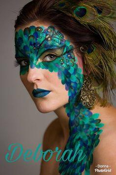 fantasy make-up / face paint / peacock (mua: Karolien Olaerts) Makeup Fx, Party Makeup, Face Painting Designs, Body Painting, Peacock Face Painting, Pfau Make-up, Peacock Makeup, Peacock Mask, Green Peacock