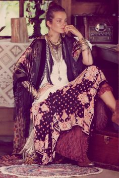 We share the best hippie outfits ideas boho fashion inspiration for your style. Bohemian Lifestyle, Bohemian Gypsy, Gypsy Style, Hippie Chic, Hippie Style, Bohemian Style, Boho Chic, My Style, Bohemian Clothing