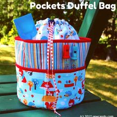 Free duffel bag pattern with loads of pockets. Super cute too, besides being handy. And not (just) for the beach.  Great for any recreation / activity. Would make a great track bag also. Or a sleepover bag, or...