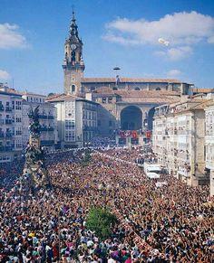 4 AGOSTO BAJADA DE CELEDÓN- FIESTAS DE LA VIRGEN BLANCA  Patrona de Vitoria-Gasteiz