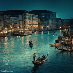 Venezia love couple romantic vacation romance vacation ideas venezia canoe