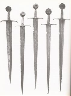Swords from the Castillon Hoard. Generally dated to around they were some of swords found a sunken barge in the Dordogne river. Type XVIII (left) and type XV (those to the right), all show the inset pommels popular in that era for single-handed swords. Swords And Daggers, Knives And Swords, Arming Sword, Larp, Indian Sword, Types Of Swords, High Middle Ages, Dragon Age Origins, Dagger Knife