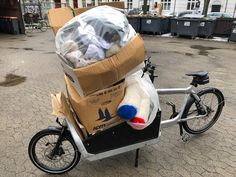 Trash delivery to the recycling station on my loved Bullitt bike. Bullitt Bike, Recycling Station, Cargo Bike, Larry, Baby Strollers, Delivery, Children, Baby Prams, Young Children