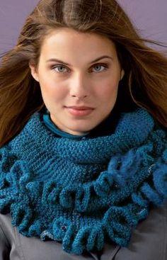 Knitting Patterns Galore - Ruffled Warmer Crochet Ruffle, Ruffle Scarf, Knit Or Crochet, Crochet Crafts, Knitting Patterns Free, Knit Patterns, Free Knitting, Free Pattern, Knitting Machine