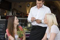 ¿Cómo distinguir camareros profesionales de #hostelería? #escuelasdehosteleria #cursoshosteleria
