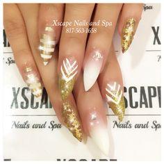 Gold ombré nails