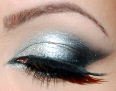 silver...eye shadow very pretty, but the lashes look too fake and not on good.