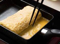 シェフ直伝!卵焼きが驚くほどふわふわになる3つの鉄則の画像 - macaroni[マカロニ] in 2020 Cute Food, I Love Food, Healthy Cooking, Cooking Recipes, Ramen, Cooking Supplies, Tasty, Yummy Food, Japanese Dishes