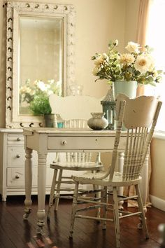 The Breakfast Nook - this is exactly what we need for our new home, especially with the casters.