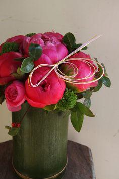 Peony, ranunculus para mi bella Erika, felicidades!!.