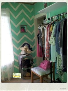 My DIY Chevron painted wall