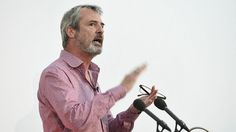 Neil Morrissey warns pub trade of 'spontaneously exploding laundry'