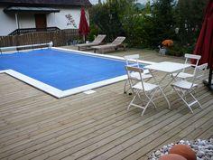 Terrassenboden aus kesseldruckimprägniertem Holz, glatt gehobelt als Pooleinfassung