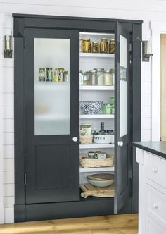 The best design ideas in country style for your new kitchen farmhouse kitchen ideas - Own Kitchen Pantry Kitchen Storage, Kitchen Decor, Kitchen Organization, Rustic Kitchen, Mens Kitchen, Kitchen Layout, Kitchen Interior, Decorating Kitchen, Storage Cabinets
